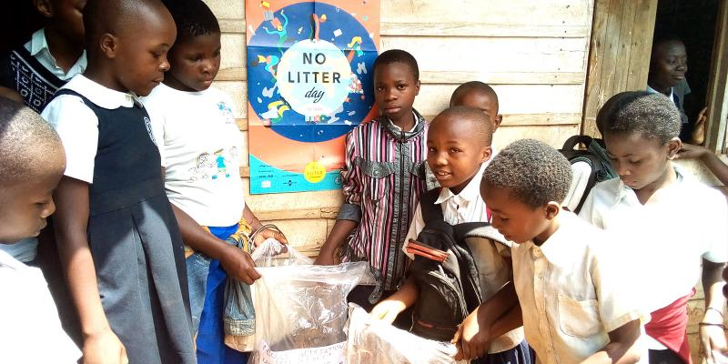 Children collecting litter
