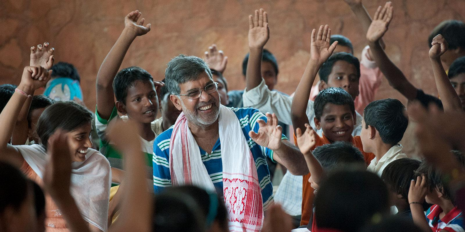 Kailash Sathyarthi with children