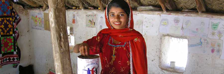 Pakistani girl voting