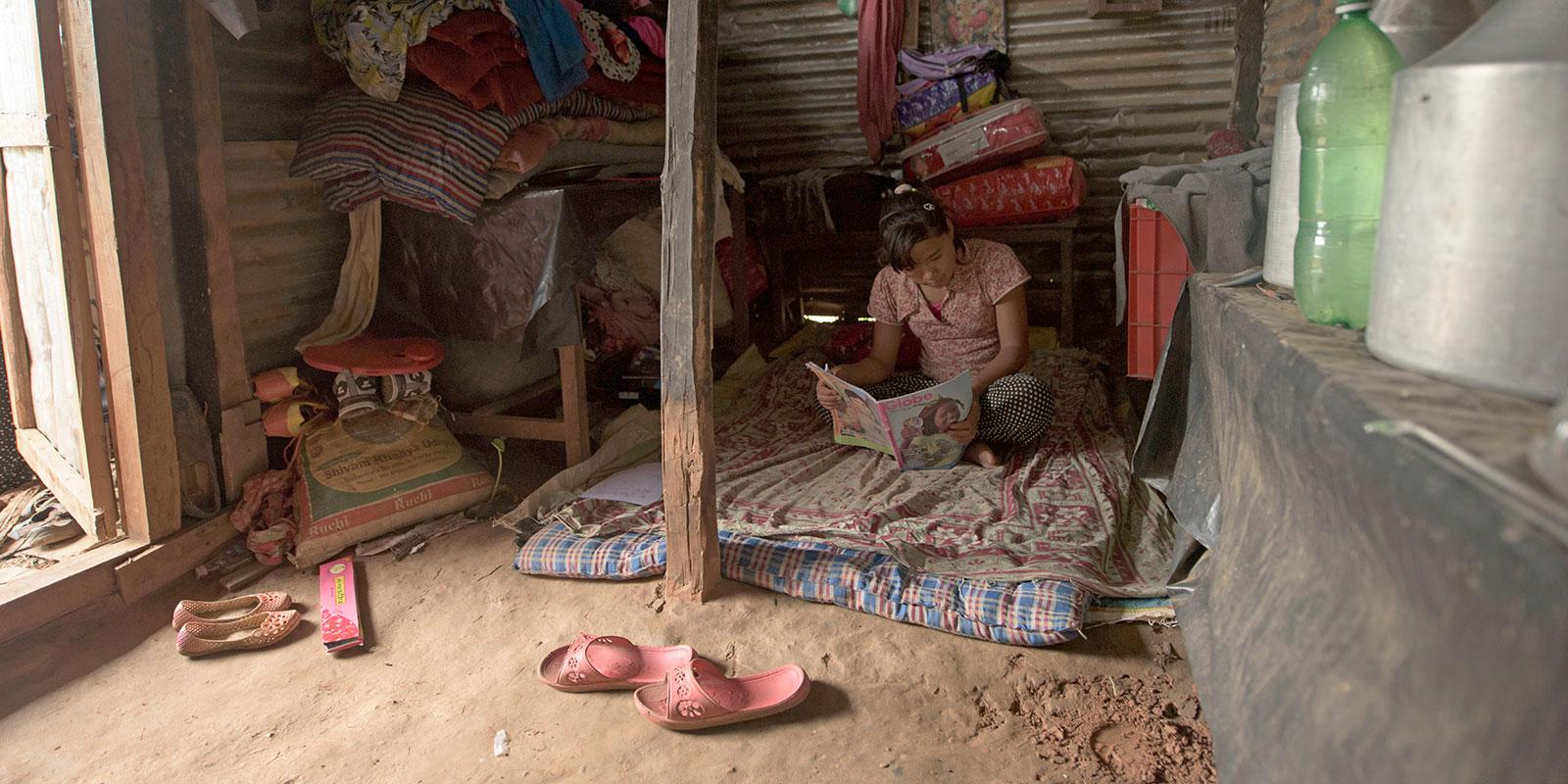 Phulmaya is homeless after the earthquake - World's Children's Prize